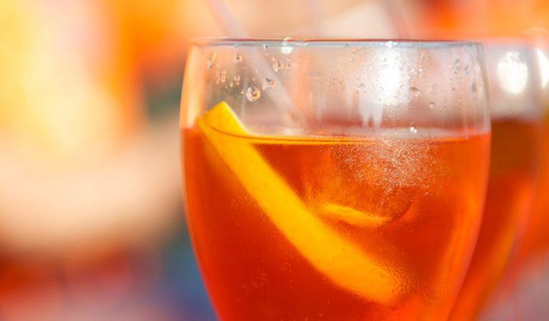 Аперол Шприц – перфектно питие за празник & забавление