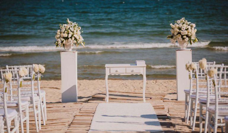 Романтика на морския бряг & By the Sea