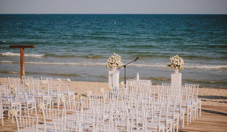 Ресторант By The Sea, където сватбените приказки стават реалност