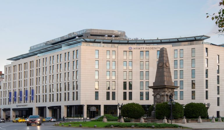 Hyatt Regency Sofia стана на 1 година