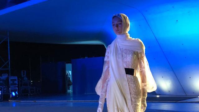 Арабски блясък, парижки шик & Африка – вдъхновенията за 2022 от световните дизайнери в Bridal Fashion